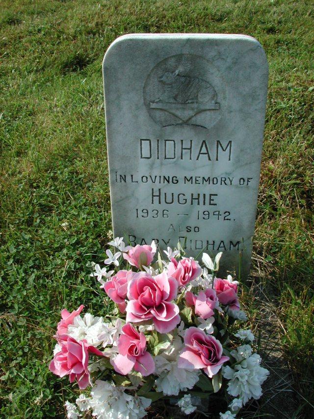 DIDHAM, Hughie (1942) & Baby CLN01-8033