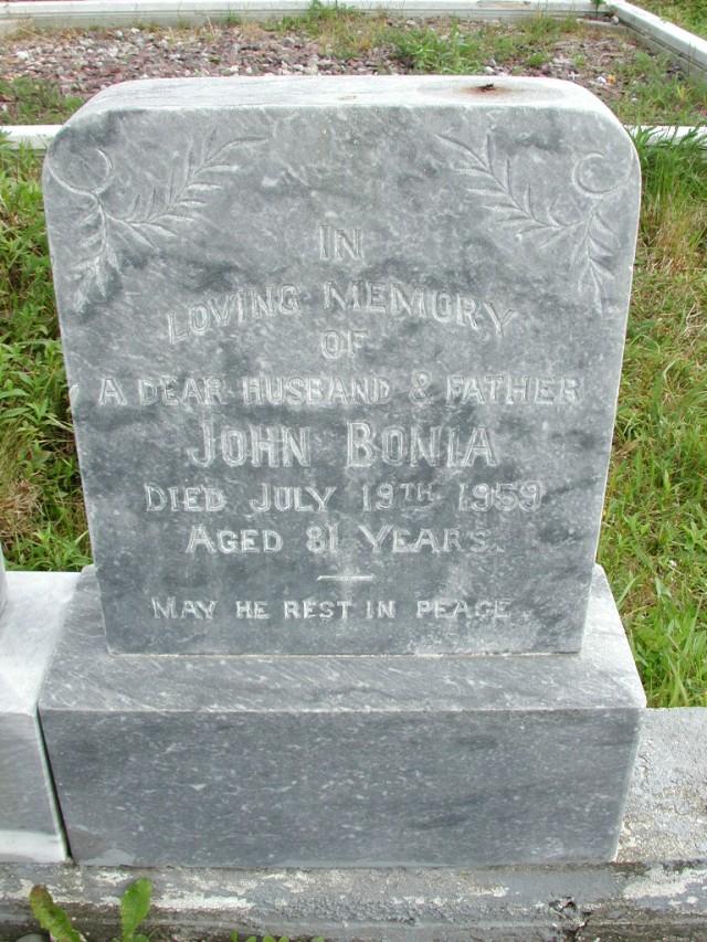 BONIA, John (1959) STM01-8310