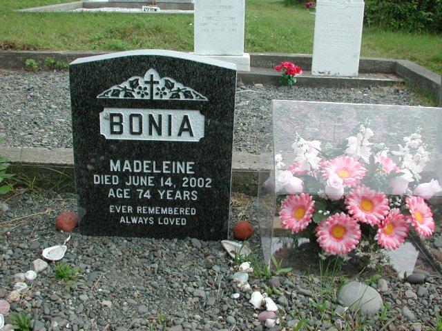 BONIA, Madeleine (2002) STM01-2464