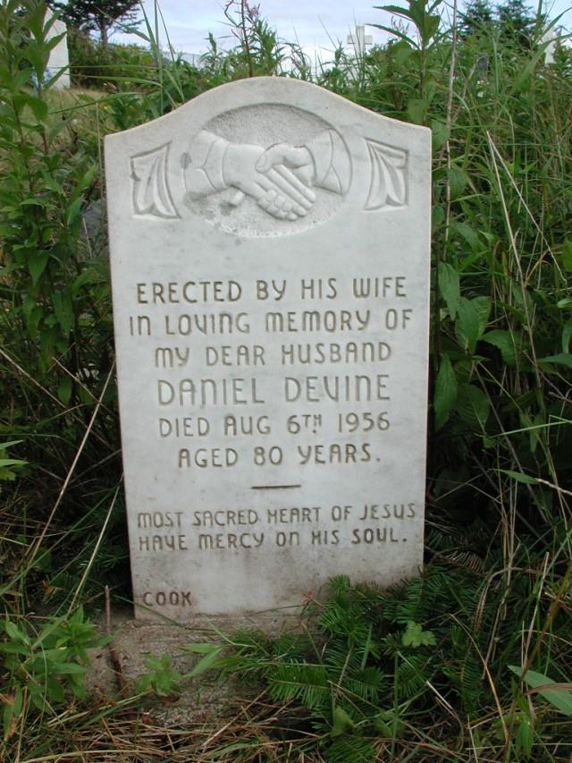 DEVINE, Daniel (1956) STM01-2494