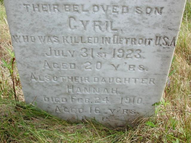 WALSH, Cyril (1923) & Hannah (1910) STM01-8176