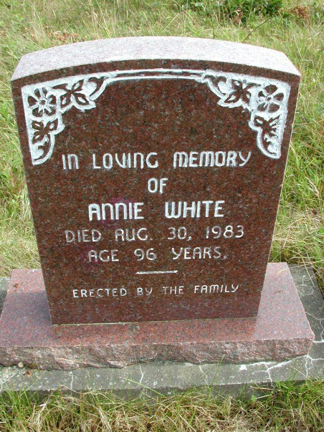 WHITE, Annie (1983) STM01-8247