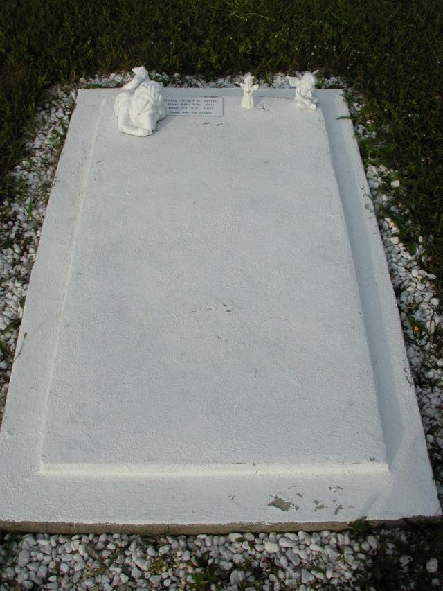 WHITE, Jeanine (1981) STM03-9459