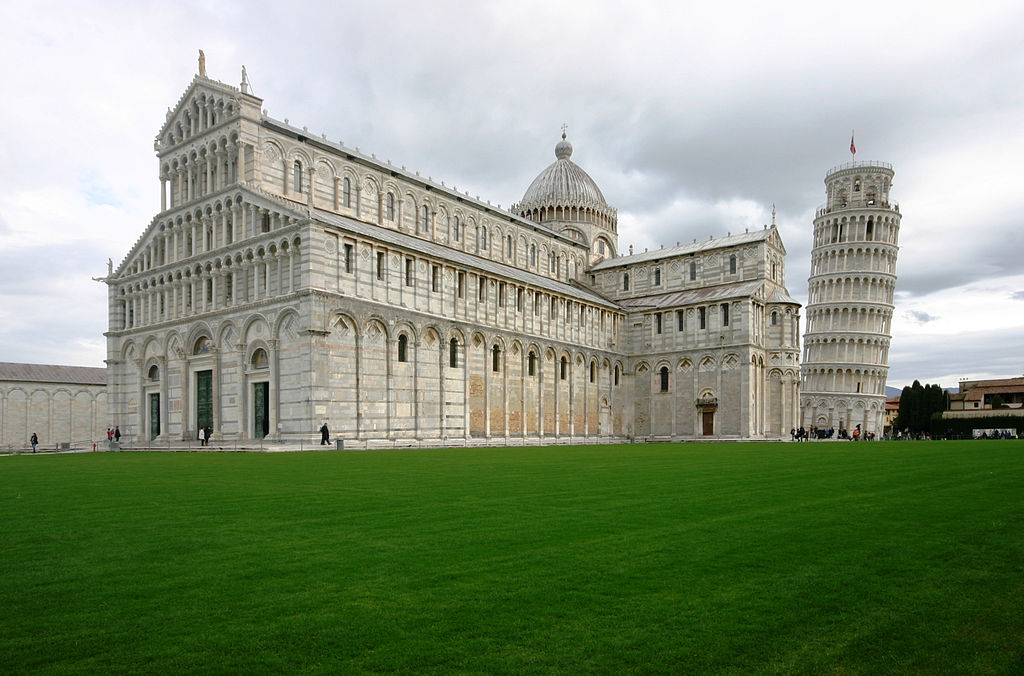 Cathedral_and_Campanary_-_Pisa_2014_(2)