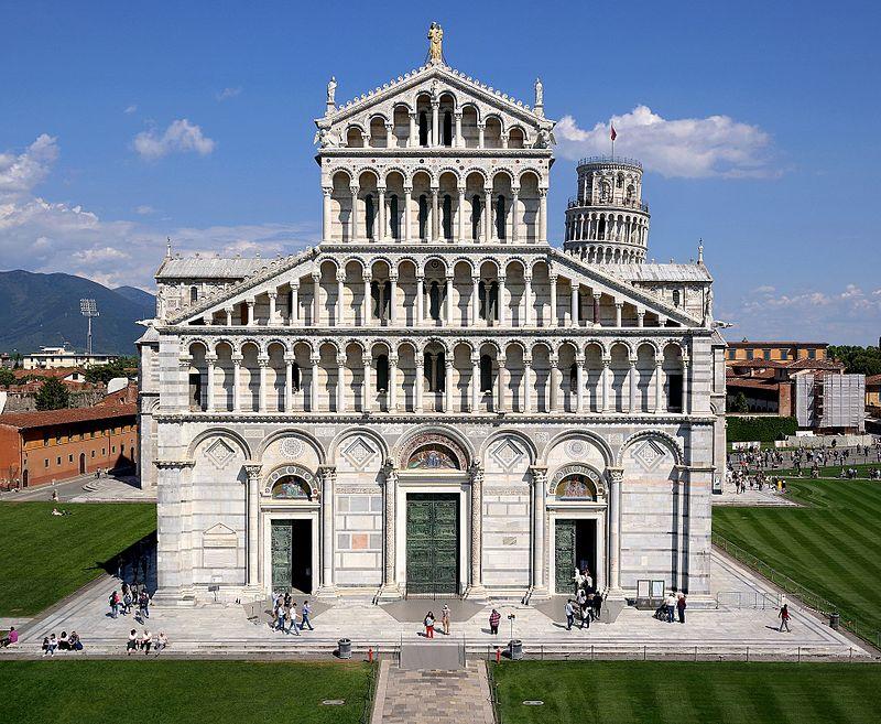 Pisa_-_Cattedrale_da_Battistero_02