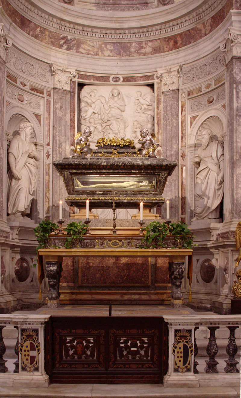 Relics_of_St_Ranieri_-_Duomo_-_Pisa_2014