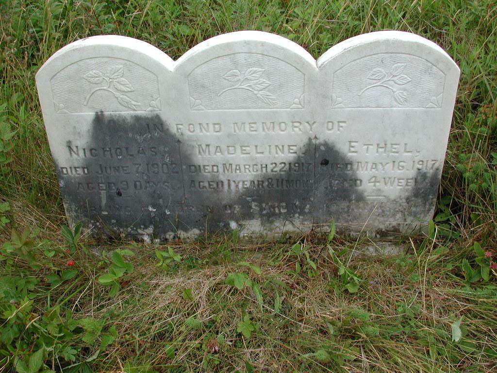HEARN, Nicholas (1902) & Madeline & Ethel RIV01-2130
