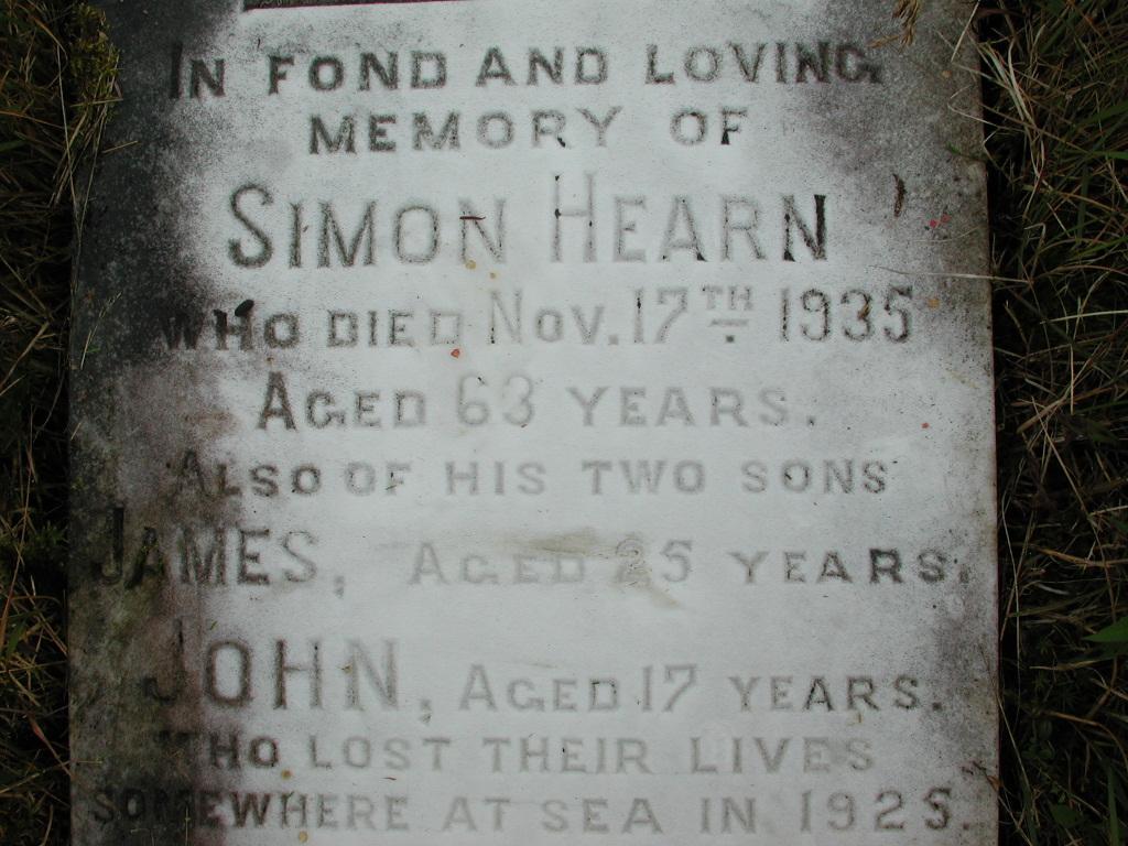 HEARN, Simon (1935) & James & John RIV01-2174