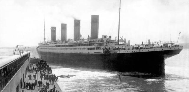 Titanic 1912 leaving Southampton, England